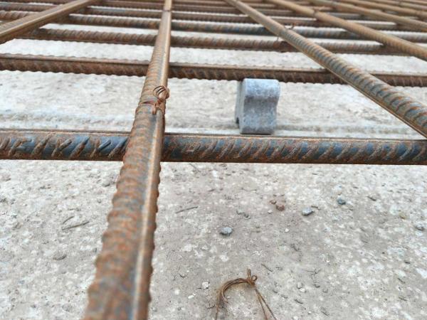 钢筋混凝土结构的承载力,耐久性,耐酸碱,耐火性能直接关系到水泥钢筋